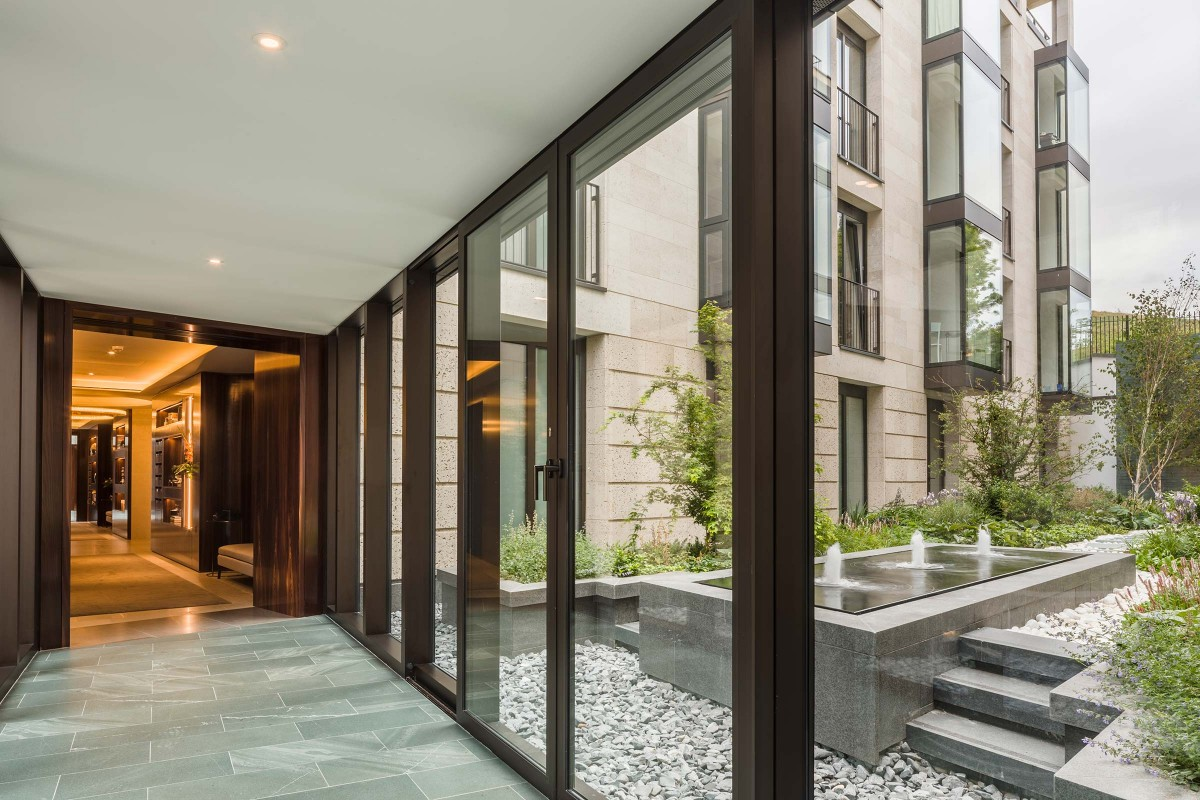 50stedmunds3-water-feature-view-from-residential-corridor